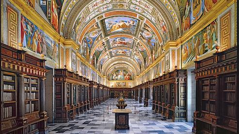 La bibliothèque royale est la pièce la plus noble de l'Escurial de Philippe II.