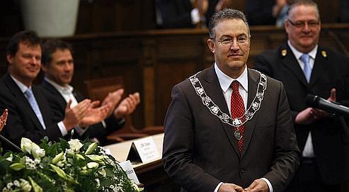 Ahmed Aboutaleb, le 5 janvier 2009, lors de sa prise de fonctions à l'hôtel de ville de Rotterdam. Sa nomination sur fond de haines communautaristes a déclenché la polémique dans la cité portuaire.