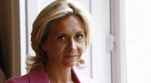 Valérie Pécresse (ici dans son bureau, au ministère) estime que «ces quatre mois de manifestations ont révélé une cristallisation de toute une série de craintes autour des réformes».