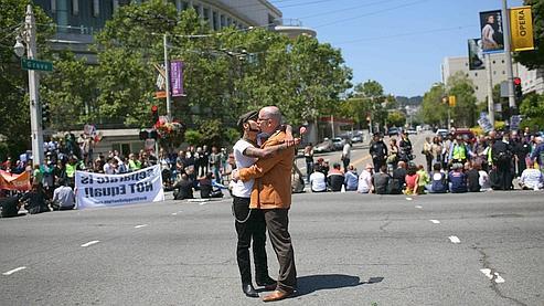 Les quelque 18.000 couples homosexuels qui s'étaient unis avant l'interdiction resteront mariés.
