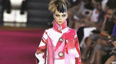 Les ventes de la collection été de prêt-à-porter féminin, l'essentiel de l'activité, sont en recul de 35%. La haute couture, déficitaire de manière chronique, pâtit de l'érosion des grandes fortunes. Crédits photo Sébastien Soriano, Le Figaro.