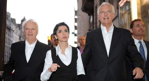(De gauche à droite) Jean-Marie Cavada, Rachida Dati et Michel Barnier se rendent au siège de l'UMP dimanche. Les listes de la majorité étaient créditées de 27,91% des voix à deux heures lundi matin.