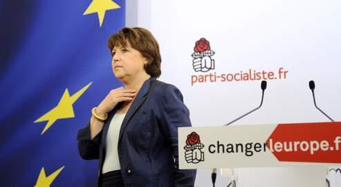 Martine Aubry, dimanche soir, rue de Solferino, a déclaré prendre «toute la mesure de la responsabilité du PS dans le score qui est le sien», soulignant que les socialistes ont «souffert de batailles internes et de divisions».