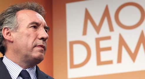 Un an après sa défaite aux municipales à Pau, le résultat du scrutin de dimanche, avec 8,5 % des voix et six eurodéputés, constitue un nouveau camouflet pour François Bayrou.