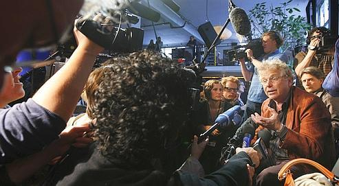 Daniel Cohn-Bendit, lundi à Paris, commentant, devant la presse, le succès électoral de la liste Europe Écologie.
