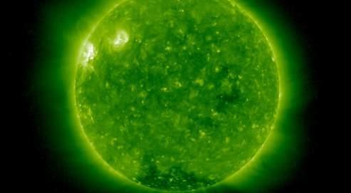 Le 5 mai, une première éruption solaire a été observée par la sonde Stereo. (Crédit photo : NASA/SOHO)