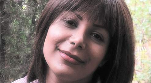 Enterrée dimanche dans le cimetière Behecht-é Zahra de Téhéran, Neda Agha-Soltan, 26 ans (photographiée en mai dernier par son fiancé), est devenue le symbole d'une jeunesse iranienne en quête de changement.