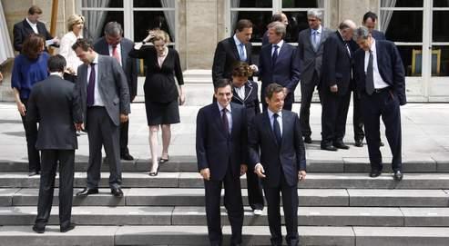 Le nouveau gouvernement à l'Élysée, mercredi, où se réunissait le premier Conseil des ministres depuis le remaniement.