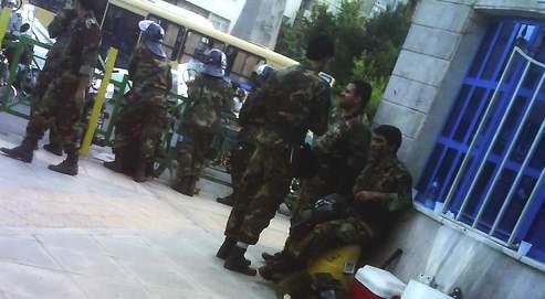La milice des bassidjis et les forces antiémeutes se sont unies pour mater la contestation après l'annonce de la réélection d'Ahmadinejad à la présidence de l'Iran.