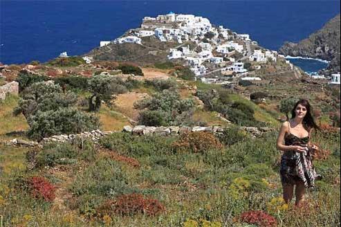 Panagiota nous fait découvrir le village de Kastro, déjà habité dans l'Antiquité, sans doute l'un des plus beaux de l'île.
