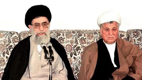 L'ayatollah Khameini et l'ex-président Rafsandjani, en 1999. (crédit : ATTA KENARE/AFP)