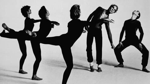 Merce Cunningham (deuxième en partant de la droite) interprète «Quartet», en 1986, avec des danseurs de sa compagnie.