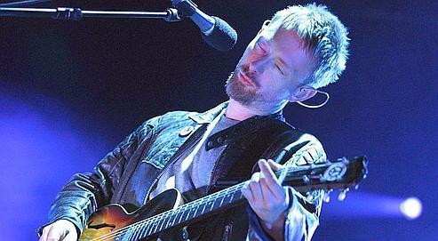 Le chanteur du groupe Radiohead, Thom Yorke, lors d'un concert à Avenches, en Suisse, en 2006.