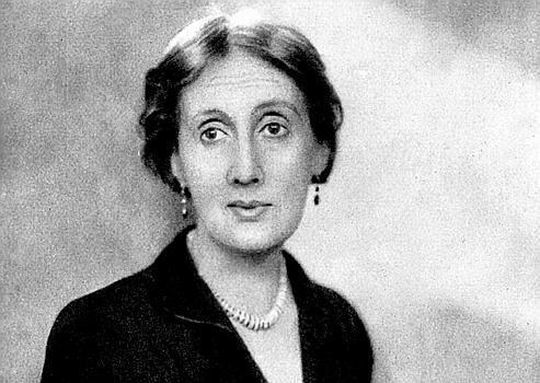 Viviane Forrester, qui analyse la jeunesse, le mariage et le travail de Virginia Woolf (ci-dessus), met en avant le courage de l'écrivain.