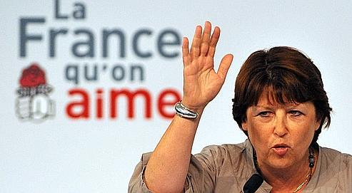 Martine Aubry à clos, dimanche, l'université d'été de La Rochelle par une charge contre la poliitque économique et sociale de Nicolas Sarkozy.