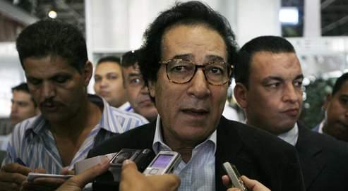 Farouk Hosni à son retour au Caire, mercredi.