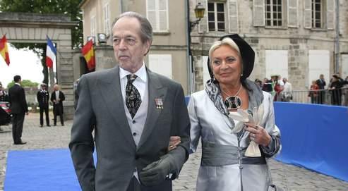 Le Vatican a autorisé les secondes noces religieuses d'Henri d'Orléans avec Micaela Cousino Quinones de Leon, son épouse à l'état-civil, à qui revient le titre de comtesse de Paris.