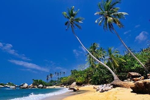 Les Seychelles ? Non, une Colombie que l'on redécouvre enfin... Si Cartagène, joyau classé, est longtemps resté le seul trésor accessible du pays, d'autres sites majeurs (ici les plages du Parc national de Tayrona) sont à nouveau fréquentables.