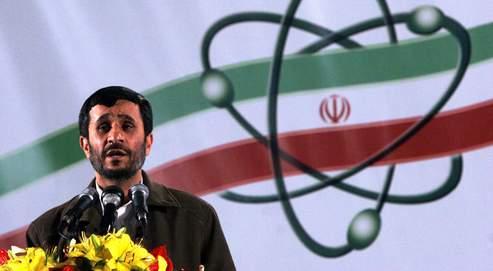 Mahmoud Ahmadinejad, le président iranien, s'exprime sur le site d'enrichissement d'uranium de Natanz, en 2007.