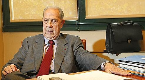 Charles Pasqua : «La levée du secret-défense confirmera qu'Arcadi Gaydamak était un agent de la DST et que le président de la République le savait.»