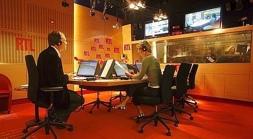 La radio numérique permettrait d'améliorer la qualité du son, la couverture géographique et d'enrichir les services de données associées.