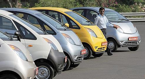 La Tata Nano, la voiture la moins chère du monde,sera concurrencée à partir de 2012 par le nouveau modèle de Renault, conçu en partenariat avec le constructeur indien Bajaj.