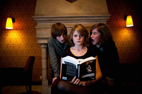 Fantastique, onirique ou comique, la littérature vampirique séduit de plus en plus d'adolescents.