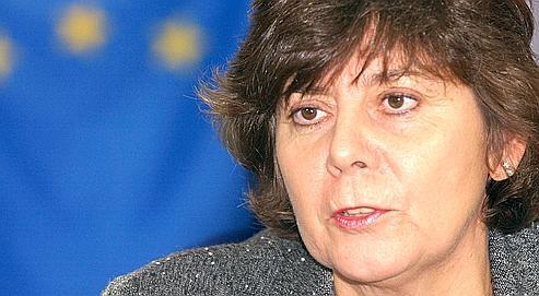 Rita Verdonk, ministre de l'immigration et de l'intégration des Pays-Bas, favorable à une interidction du port de la burqa dans les lieux publics.