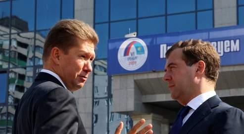Alexei Miller (ici à gauche, en compagnie du président russe Dmitri Medvedev) : «Le gaz naturel peut contribuer efficacement à réduire l'empreinte carbone de l'UE, dans des conditions économiques optimales»