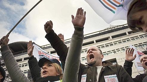 Des policiers manifestent à Paris