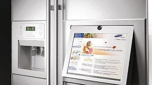 En 2000, on nous promettait notamment pour 2010... des réfrigérateurs capables de commander tous seuls de la nourriture sur le web.