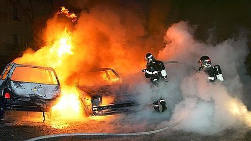 Selon les chiffres officiels, le nombre de véhicules incendiés passerait de 1.147 l'an dernier à 1.137 cette année.