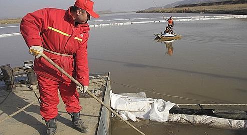 En Chine, une marée noire menace le fleuve Jaune