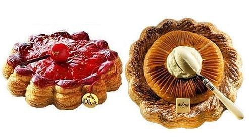 A gauche la galette Pomme d'amour Dalloyau, à droite : la galette Baba Lenôtre.