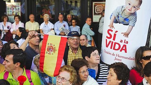 Une manifestation contre l'élargissement du droit à l'avortement en Espagne a rassemblé de 300 000 à un million de manifestants à Madrid le 17 octobre.