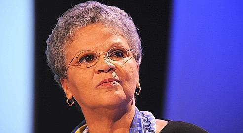 Pour l'ancienne premier ministre de l'île, « La priorité, c'est de reconstruire. »