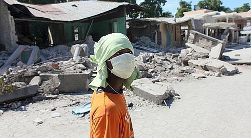 À Léogane, une petite ville proche de l'épicentre du séisme, à l'ouest de Port-au-Prince, 90% des bâtiments ont été détruits, selon l'ONU.