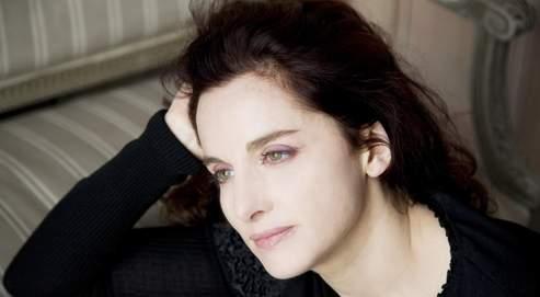 « La tentative d'amener l'orchestre vers une autre esthétique a échoué», affirme Emmanuelle Haïm. (Simon Fowler - Virgin Classics)
