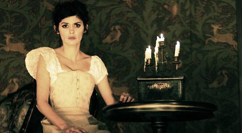 Audrey Tautou incarne Nora dans la pièce mise en scène par Michel Fau.