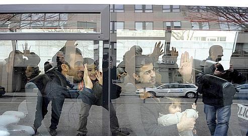 Le 25janvier, les dix migrants kurdes de Syrie transférés de Corse au centre de rétention administrative de Lyon Saint-Exupéry ont été remis en liberté par le juge de la liberté et de la détention de Lyon.