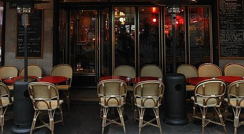 Les cafetiers cherchent la parade aux lois sur le tabac