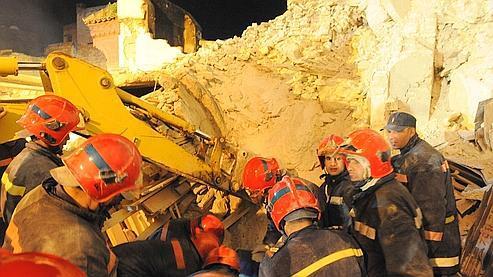 Un minaret s'effondre sur des fidèles à Meknès
