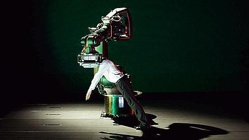danse avec le robot. Black Bedroom Furniture Sets. Home Design Ideas