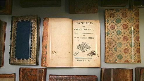 Candide ou l'Optimisme, publié en 1759, fut banni par le Parlement de Paris puis le Vatican lors de sa sortie. C'était pourtant un best-seller pour l'époque. (The New York public library)