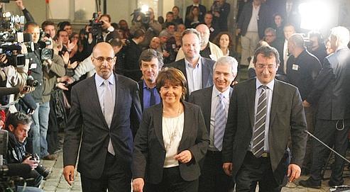 Martine Aubry, à son arrivée au siège du Parti socialiste, rue de Solferino, à Paris, dimanche soir.