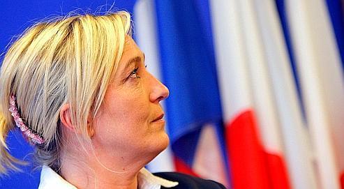 Marine LePen, avec 22,20% des voix dans le Nord-Pas-de-Calais, a fait mieux que Bruno Gollnisch (15,3% en Rhône-Alpes), son rival pour la présidence du FN.