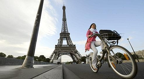 Avec les beaux jours, Vélib' espère retrouver ses utilisateurs occasionnels, dont beaucoup de touristes.