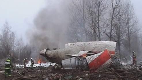 Le Tupolev 154 s'est écrasé à son atterrissage à Smolensk en Russie.