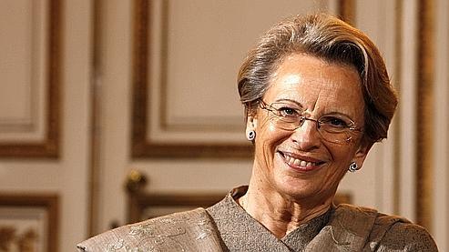 Michèle Alliot-Marie, dans son bureau.