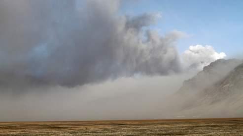Si en Islande, le nuage de cendres volcaniques est clairement visible, ce n'est pas le cas en France où les estimations de sa présence se fondent sur des modèles mathématiques.